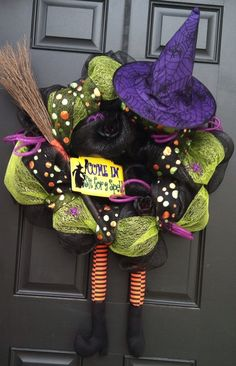 Halloween deco mesh witch wreath by on Etsy Halloween Ribbon, Halloween Deco Mesh, Holidays Halloween, Halloween Crafts, Halloween Decorations, Halloween Wreaths, Halloween Stuff, Halloween Ideas, Halloween Costumes