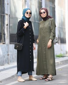 👭😻🌿 Modest Fashion Hijab, Casual Hijab Outfit, Hijab Chic, Hijab Dress, Abaya Fashion, Muslim Fashion, Fashion Outfits, Modele Hijab, Cardigan Sweaters For Women