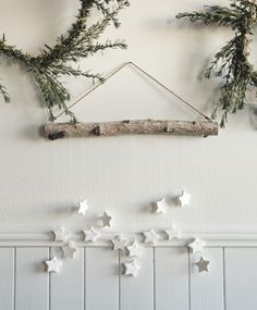 30 Minimal Christmas Decor Ideas for The Subtle-Lovers Out There! 30 Minimal Christmas Decor Ideas for The Subtle-Lovers Out There! Noel Christmas, Rustic Christmas, Xmas, Christmas Projects, Diy Christmas Reindeer, Cabin Christmas, Christmas Island, Etsy Christmas, Homemade Christmas