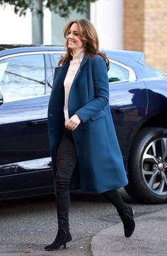 Kate Middleton's Best Aquatalia Boot Moments - Dress Like A Duchess Moda Kate Middleton, Kate Middleton Photos, Kate Middleton Style, Duchess Kate, Duchess Of Cambridge, Celine, Boots London, Blue Coats, Princess Kate