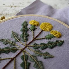 Flower Embroidery Pattern dandelion by yumiko higuchi - Hand Embroidery Projects, Hand Embroidery Stitches, Modern Embroidery, Diy Embroidery, Embroidery Techniques, Cross Stitch Embroidery, Embroidery Designs, Flower Patterns, Sewing Crafts