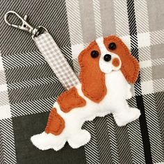 Bespoke King Charles Cavalier bag charm by www.etsy.com/shop/MisHelenEous
