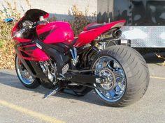 こんなバイクにも乗りたいな。