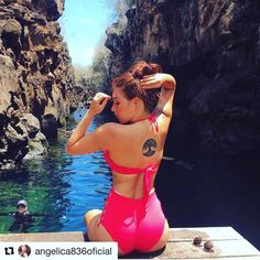 #Repost @angelica836oficial with @get_repost  Momentos inolvidables . . #galapagosislands #galapagos #travelblogger #travelphotography #wanderlust #placestogo #travelwithnaturegalapagos #travel #trips #voyager #lasgrietassantacruz #pinklady - facebook.com/rlwonderland