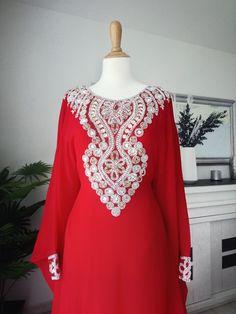 59fdf19a 🌼Salut les filles je vend de magnifique robe de soirée sur mon vinted  Myakika.
