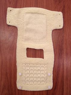 Intereresting design for a baby vest of the tabard type - You have to pull it over the baby's head, though, and this is something many babies *hate*!This post was discovered by Elpicture only for placket Diy Crafts Knitting, Easy Knitting Patterns, Knitting For Kids, Baby Patterns, Baby Knitting, Knitting Tutorials, Baby Pullover, Baby Cardigan, Knit Baby Dress