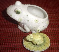 Lefton frog trinket jar with baby frog on lid Hippie Boho 1960s hand painted