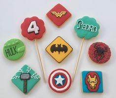 Super heróis x Vingadores Biscoitos amanteigados decorados... Cake&Friends