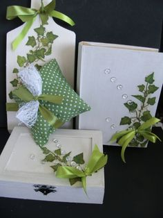 craft Ivy Leaf, Gift Wrapping, Ornaments, Green, Gifts, Manualidades, Paper Wrapping, Wrapping Gifts, Gift Packaging