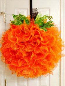 Fall and Halloween Deco Mesh Extra Large Pumpkin Wreath Deco Mesh Crafts, Wreath Crafts, Diy Wreath, Tulle Wreath, Wreath Fall, Burlap Wreaths, Wreath Ideas, Summer Wreath, Mesh Ribbon Wreaths