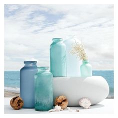 West Elm West Elm Waterscape Vase, Round Bud, Cloud (£7.71) ❤ liked on Polyvore featuring home, home decor, vases, blue, west elm, blue vase, blue home decor, sea home decor and ocean home decor