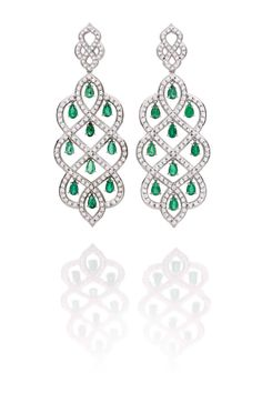Carla Amorim Russia Collection Taiga emerald earrings, inspired by the Russian Boreal forests Bijoux Art Deco, Art Deco Jewelry, High Jewelry, Diamond Necklace Set, Emerald Earrings, Drop Earrings, Diamond Pendant, Pendant Necklace, Jewelry Design Drawing
