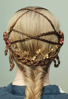 Photo of medieval hairstyle Boho Hairstyles, Unique Hairstyles, Vintage Hairstyles, Pretty Hairstyles, Renaissance Hairstyles, Historical Hairstyles, Fairy Hair, Medieval Fashion, Braids For Long Hair