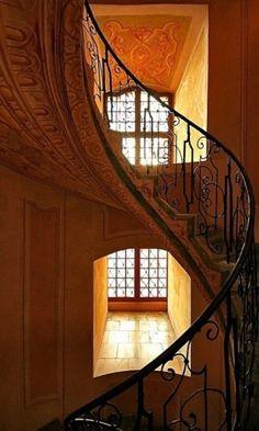 escada por soapycrayon