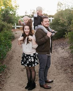 oh hey just a normal family taking some normal family photos. (: @chrystalcienfuegos) https://www.instagram.com/p/BMXq_Ntg7i6/