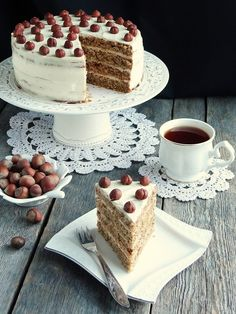 Food and Cooking delicious recipes Easy Cake Recipes, Dessert Recipes, Party Food Platters, Nutella Cake, Sour Cream Cake, Torte Cake, Good Food, Yummy Food, Walnut Cake