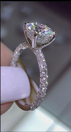 Big Wedding Rings, Diamond Wedding Rings, Halo Diamond, Cute Engagement Rings, Atlanta, Vintage Diamond, Anniversary Rings, White Gold Diamonds, Ootd