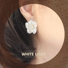"White Light순백의 여신 ""A limitless source of feminine inspiration. Media : shell, crystals, and stones.  ""/ RingPocket 2014"