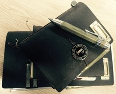 Midori Traveler's Notebook Hero of the British Art Resistance Kaweco pencil