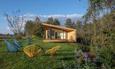 Oko vkrajině jemalý zahradní domek sloužící jako pokoj pro hosty – DesignMag.cz Line Design, Home Fashion, Studios, Cabin, House Styles, Home Decor, Decoration Home, Room Decor, Cabins