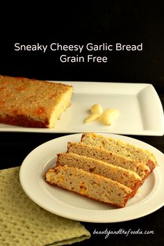 Sneaky Cheesy Garlic Bread, grain free via @staceyloucraw