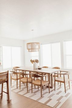 Home Decor Living Room .Home Decor Living Room Dining Room Design, Dining Room Table, Coin Banquette, Minimalist Dining Room, Dining Room Inspiration, Dinning Room Ideas, Dream Home Design, Cheap Home Decor, Home Remodeling