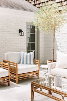 I love the simple clean lines of this outdoor space.  We are clinging to the last warm days here as we start fall and this space makes me want it to last just a