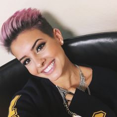 The Effective Pictures We Offer You About punk hair edgy A quality picture can tell you many things. Very Short Hair, Short Hair Cuts, Cimorelli, Shaved Pixie, Shaved Hair, Pelo Pixie, Edgy Hair, Pastel Hair, Hair Dos