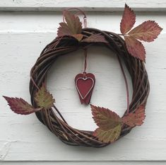 Velkommen til gards! Grapevine Wreath, Grape Vines, Wreaths, Home Decor, Decoration Home, Door Wreaths, Room Decor, Vineyard Vines, Deco Mesh Wreaths