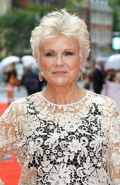 """Looking for Julie Walters Hairstyles? Find Julie Walters' latest hairstyle photos as well as some great """"blasts from the past"""". Short Hair Over 60, Short Grey Hair, Short Hair With Layers, Gray Hair, Black Hair, Haircut For Older Women, Short Hair Cuts For Women, Short Hairstyles For Women, Over 60 Hairstyles"""