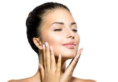 """If you were born with an oily skin type, you know its challenges. You've got skin that always looks shiny… greasy, even, and it's generally concentrated around your forehead, T-zone and nose. """"Skin oilness usually hits around puberty and is worse dur… Oily Skin Care, Dry Skin, Skin Mask, Sagging Skin, Normal Skin, Acne Skin, Combination Skin, Skin Tips, Natural Skin Care"""