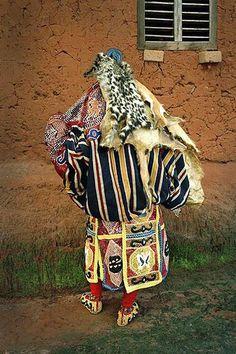 Culto aos EGUNS no Benin - Salve nossa matriz, a África!
