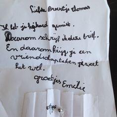 Emilie schreef dit lieve briefje toen Thomas bij oma en opa bleef logeren. #love #brotherandsister #lief #lievekleinedingen #friendship #broerenzus #liefstebroer #liefstezus #myboy #mygirl #mykids #lovethemtobits by kim_cabus