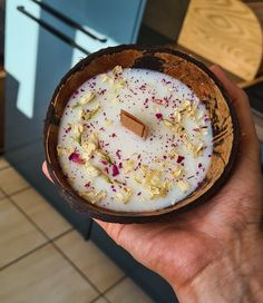 Coconut Bowl, Coconut Shell, Homemade Candles, Diy Candles, Organic Candles, Paraffin Wax, Dried Flowers, Vegan, Pure Products
