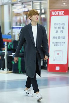 Baekhyun - 150408 Gimpo Airport departure and Beijing Airport arrival - 6/6 Credit: Puppy Store. (김포공항 출국, 베이징공항 입국)