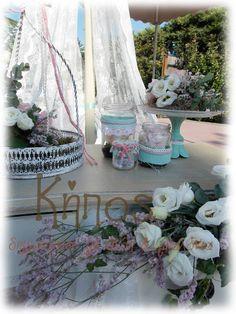 Στολισμός βάπτισης στο χρώμα της μέντας με floral στοιχεία Bird Cage, Vintage Decor, Lanterns, Glass Vase, Burlap, Baptism Ideas, Rustic, Table Decorations, Floral