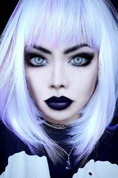 nu goth / pastel goth makeup