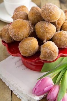 Pineapple-coconut verrines with white chocolate - Healthy Food Mom Gourmet Recipes, Dessert Recipes, Cooking Recipes, Healthy Recipes, Coconut Sorbet, Pineapple Coconut, Something Sweet, Pretzel Bites, I Love Food