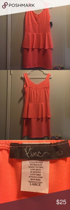 SaleNew! Pretty bright dress Super cute and bright, coral orange dress is perfect for Spring & Summer! This dress is very flattering! Unfortunately it's not my size anymore, my loss your gain! Measures 34inches long. Last picture shown is of stitching which has minor imperfections which is barely noticeable,bought this way from storeFast Shipper❌Sorry No Trades❌ Pinc Dresses Midi