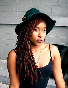 UrbanBushBabes.com---Love this hat and this hair color