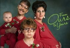 The 50 Most Awkward Christmas Family Photos!