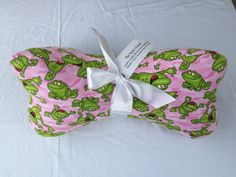 Grandpa Gifts, Gifts For Mom, Great Gifts, Cool Fabric, Pink Fabric, Dorm Room Gifts, Neck Bones, Fabric Bowls, Activity Mat