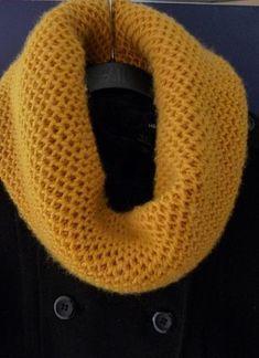 Honeycomb Cowl Knit Pattern // Craftsy