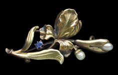 This is not contemporary - image from a gallery of vintage and/or antique objects. MARTIN MAYER Jugendstil Brooch Gold Sapphire Pearl