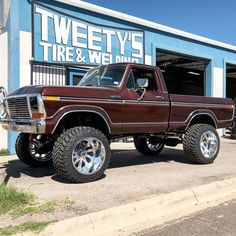 ford trucks old Old Ford Pickup Truck, Big Ford Trucks, 1979 Ford Truck, Classic Ford Trucks, Ford 4x4, Cool Trucks, Lifted Trucks, Ford Bronco, Ford Diesel
