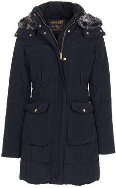 Pin for Later: Wartet nicht bis es zu spät (oder zu kalt) ist, um diese Mäntel zu kaufen Woolrich Parka Woolrich Daunenparka mit Fellkapuze (650€)