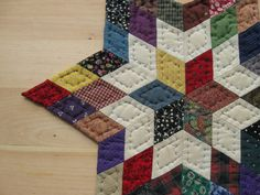 Quilted Table Topper Table Mat Candle Mat Quilted Wall by Quilting Blogs, Quilting Projects, Quilting Designs, Quilt Design, Quilting Ideas, Table Topper Patterns, Quilted Table Toppers, Paper Piecing Patterns, Quilt Block Patterns