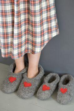 Nordic Yarns and Design since 1928 Yarn Crafts, Felt Crafts, Diy And Crafts, Felt Shoes, Baby Shoes, Crochet Slippers, Knit Crochet, Joki, Knitting Socks