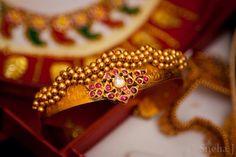 Ruby vanki # ruby #armlet Vanki Designs Jewellery, Gold Mangalsutra Designs, Gold Jewellery Design, Gold Jewelry, Beaded Jewelry, Baby Jewelry, Kids Jewelry, Bridal Jewelry, Indian Wedding Jewelry
