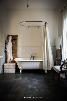 INFP Decorating for the Idealist - Bathroom Inspiration, Interior Inspiration, Bathroom Ideas, Bathroom Modern, White Bathroom, Bathroom Designs, Diy Bathtub, Bathtub Ideas, Interior Design Photography